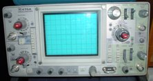 A  model 475A portable analogue oscilloscope, a very typical instrument of the late . This dual-trace instrument had a vertical bandwidth of 250 , a maximum vertical sensitivity of 5  per division, and maximum (unmagnified) horizontal sweep speed of 10  per division.
