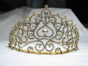 Beauty pageant tiara