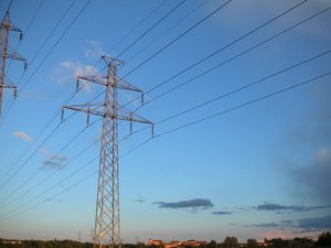 Transmission lines transmit power across the grid in ,
