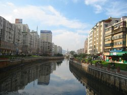 A canal in the city centre. (2003-08-24)